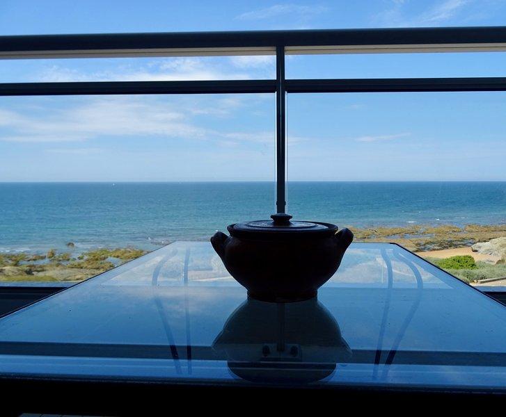 Magnifique  T2 avec WiFi en front de mer sur la corniche de Sion, casa vacanza a Saint-Hilaire-de-Riez