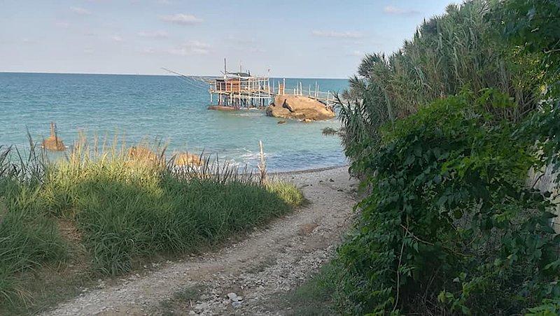 Loft 'Terrazza Mare & Monti', holiday rental in Ari
