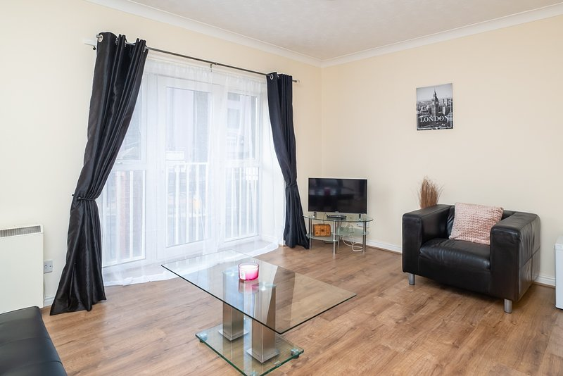 Lovely Central Quayside Flat 7 - Free Parking, holiday rental in Heaton