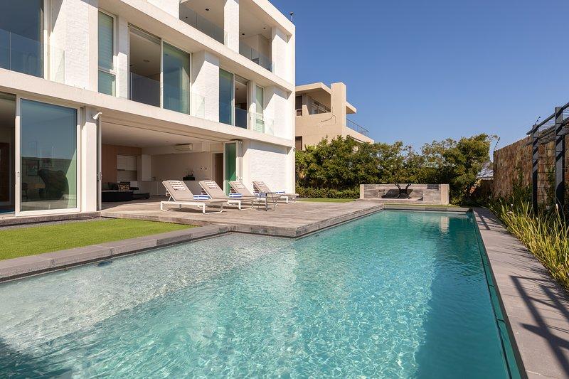 CB Villa Ronald, location de vacances à Camps Bay