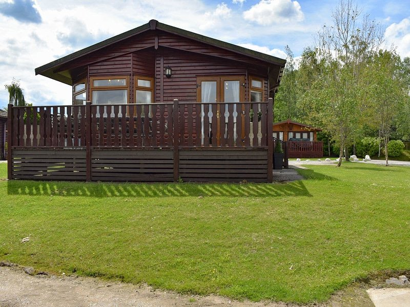 27 Lakeside - Pet and Smoke Free Accommodation, holiday rental in Caton