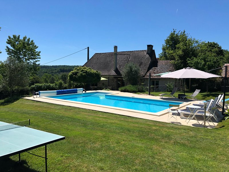 Dordogne farmhouse.  Heated, private pool. Animals, holiday rental in Nanthiat