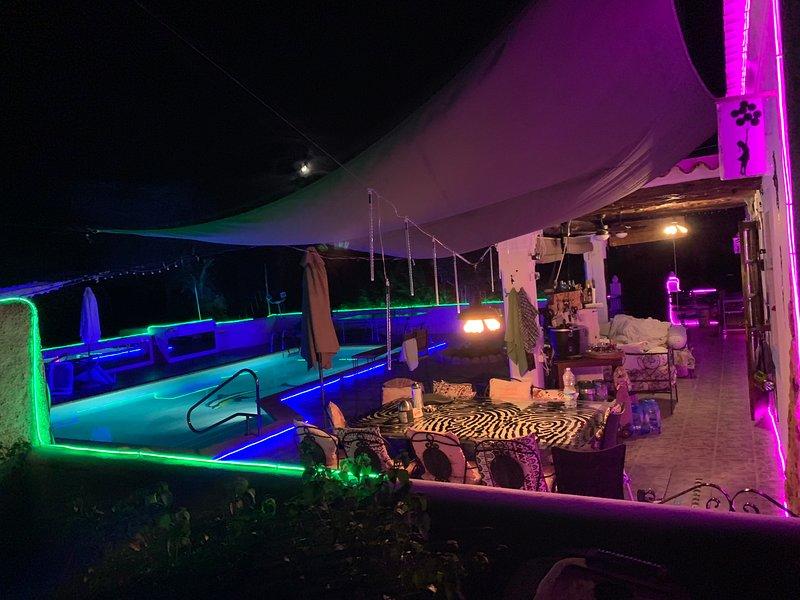 Magic  villa  with big pool and 5 double bedrooms, casa vacanza a Santa Eulalia del Río