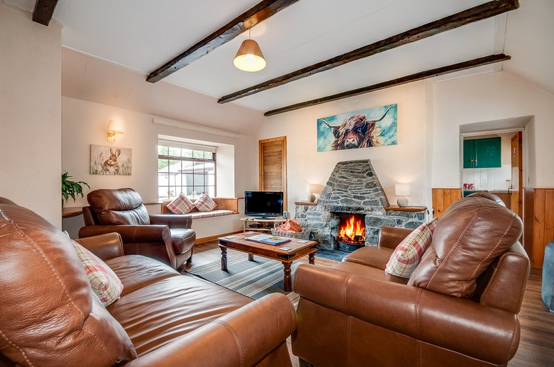 Courtyard Cottages Rose, vacation rental in Newton Stewart