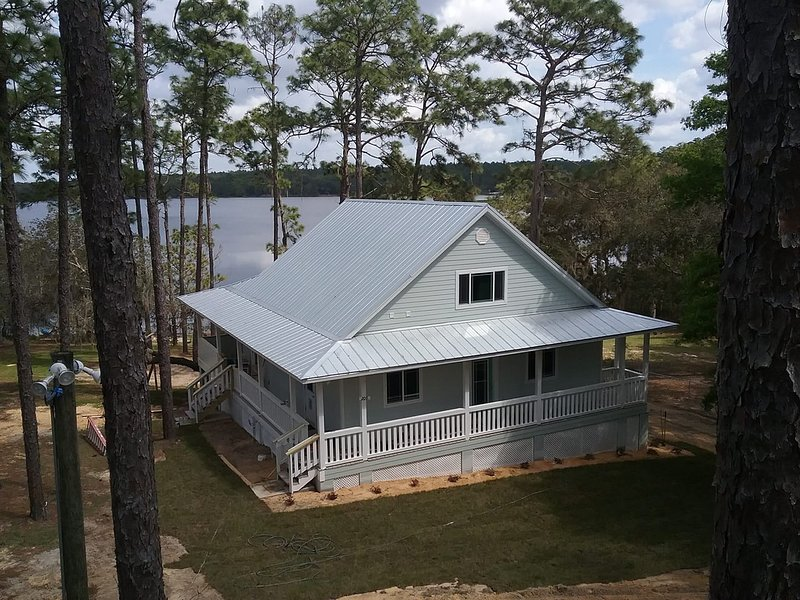 Lakefront getaway, holiday rental in Interlachen