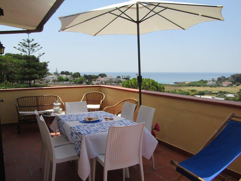 BREATHTAKING VIEW FROM THE  TERRACE - SALENTO-, holiday rental in Marina di Pulsano