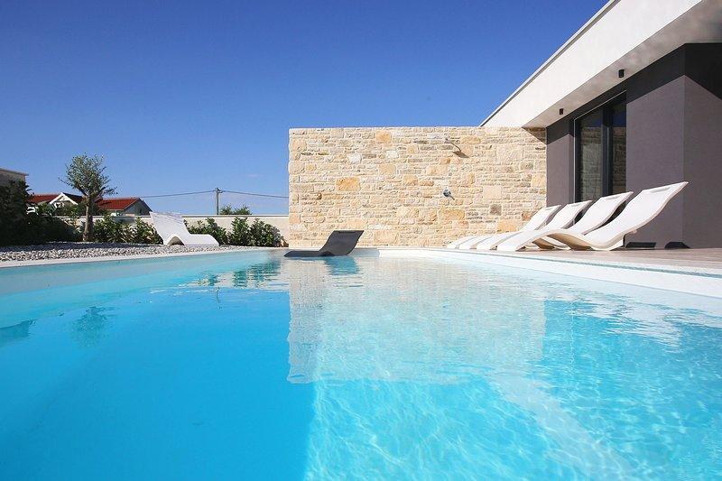 Villa Lea - Home4You, holiday rental in Kraj