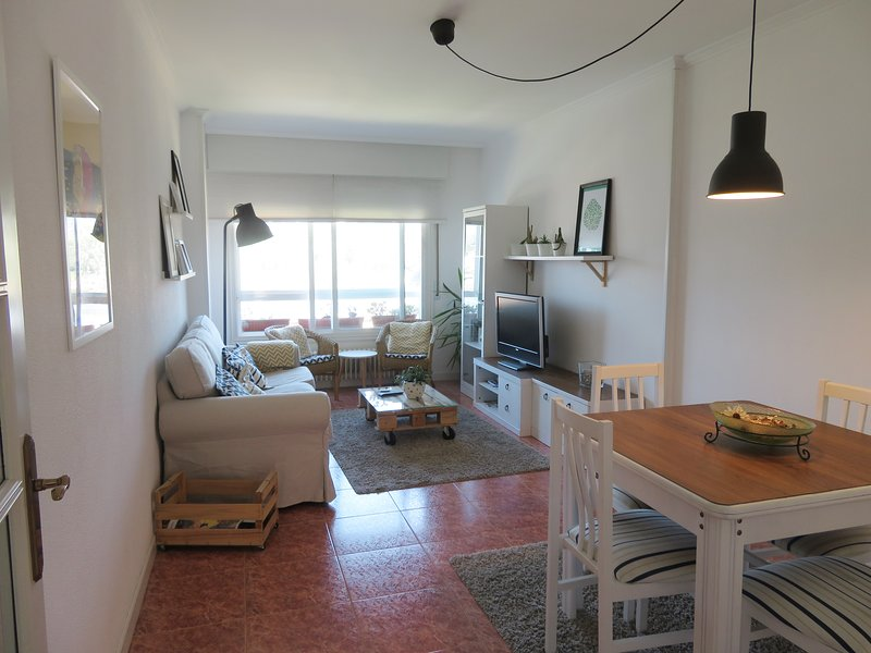 Nice apartment with sea view & Wifi, holiday rental in Marin