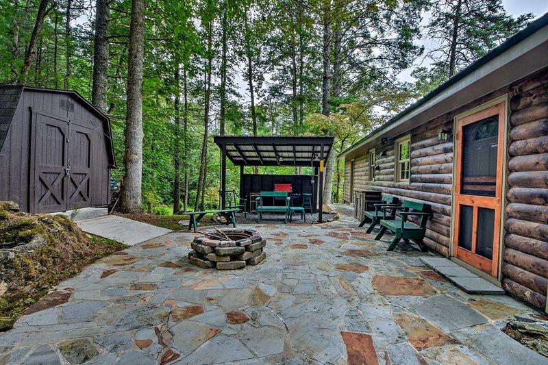 Passez d'innombrables heures à vous détendre sur la terrasse du foyer.