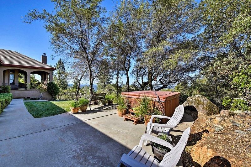 Njut av en romantisk tillflyktsort till Grass Valley, Kalifornien!
