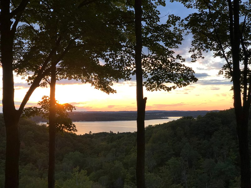The Legend and Lake View, vacation rental in Central Lake