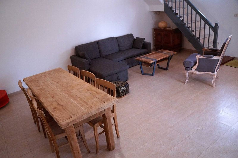 Beautiful house with garden & Wifi, holiday rental in Lanloup