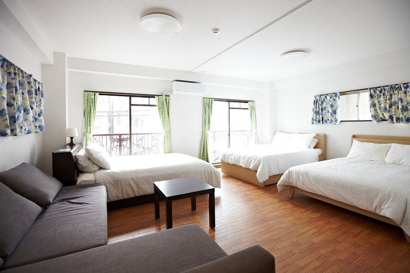 Asakusa 2nd Floor · BIG Asakusa Family Home. Convenient, Quiet & Comfy, location de vacances à Arakawa