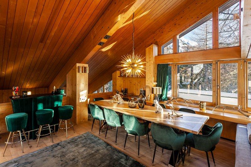 Casa Leopardo - Luxurious Chalet near St. Moritz, vacation rental in Cresta