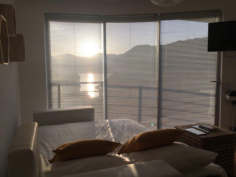 2 Beds, Fjord Panorama and Pool in Dobrota, location de vacances à Orahovac