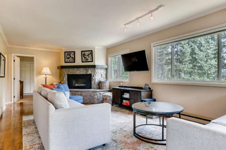 Peak 7 Private Home, Private Hot Tub, Spacious, Game Room by iTrip, vacation rental in Breckenridge