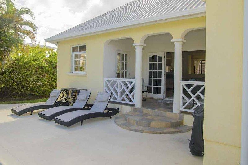 3 bedroom cozy home, casa vacanza a Ascension Island