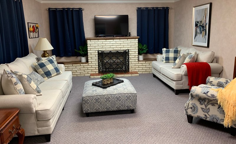 College Street B&B - Whole Home Rental 2 miles from Casinos!, alquiler de vacaciones en Lake Charles