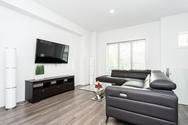 Bright 2 BedroomKing BedGreat LocationPriv. Entrance, alquiler de vacaciones en Winnipeg