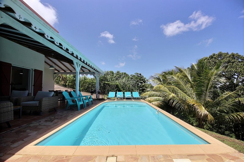 Villa Méritée, piscine et vue mer au Vauclin. 3 chambres climatisées, holiday rental in Le Vauclin