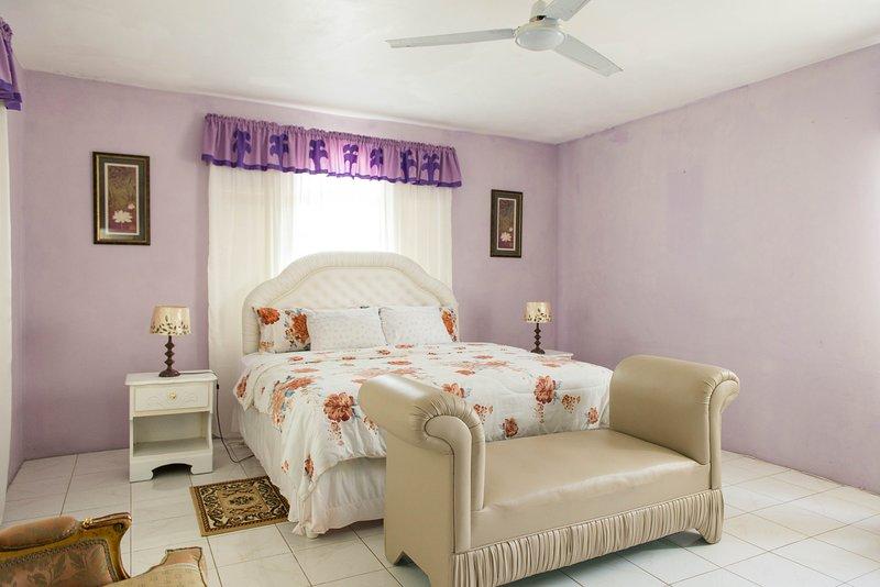Diamond Villa - 1 queen room, casa vacanza a Wiltshire
