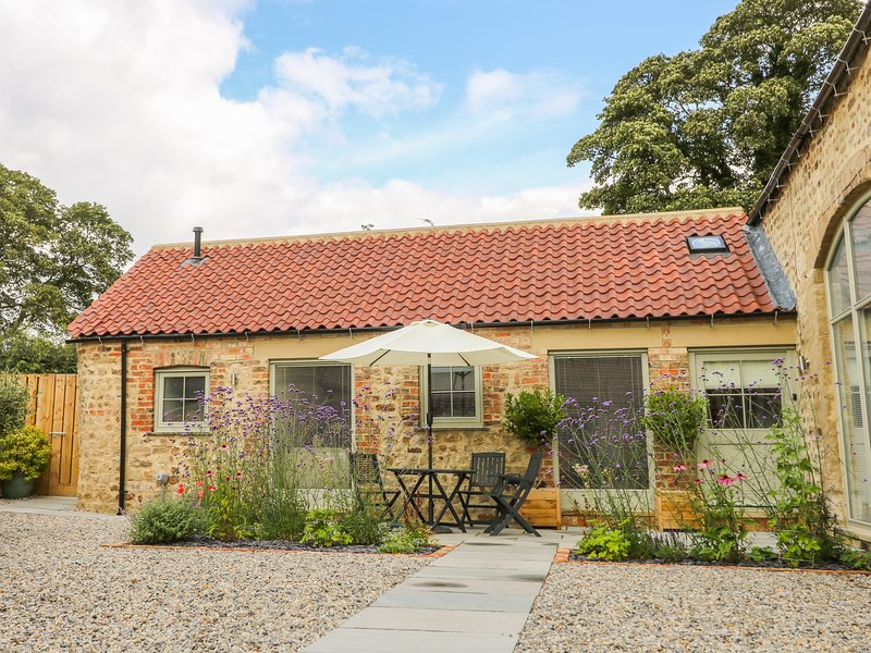 WALLERTHWAITE BARN COTTAGE, WiFi, Romantic, Markington, location de vacances à Sawley