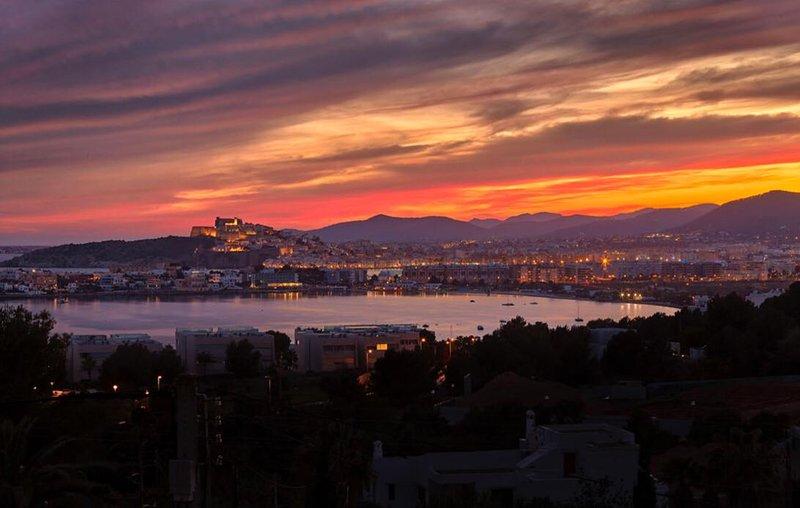CAN ESTONA - amazing views of 2 beaches and Marina, holiday rental in Talamanca
