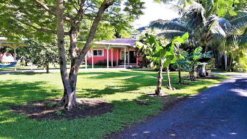 Ocean/Mountain View Cottage. Private Island Retreat. Great Rates., alquiler de vacaciones en Makawao