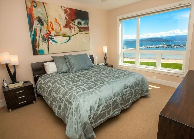Seasons at Sandpoint - Corner Condo w/ Rare Access from Lanai, vacation rental in Kootenai