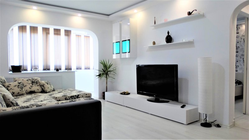 Bright,new and stylish 2 BR apartment in Bucharest, holiday rental in Pantelimon