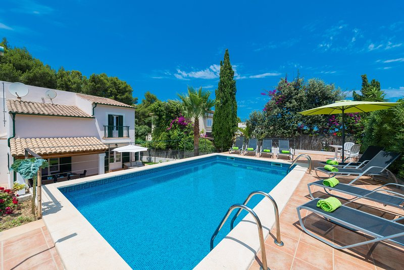 EL PINAR - Villa for 8 people in Cala Sant Vicenç, vacation rental in Cala San Vincente