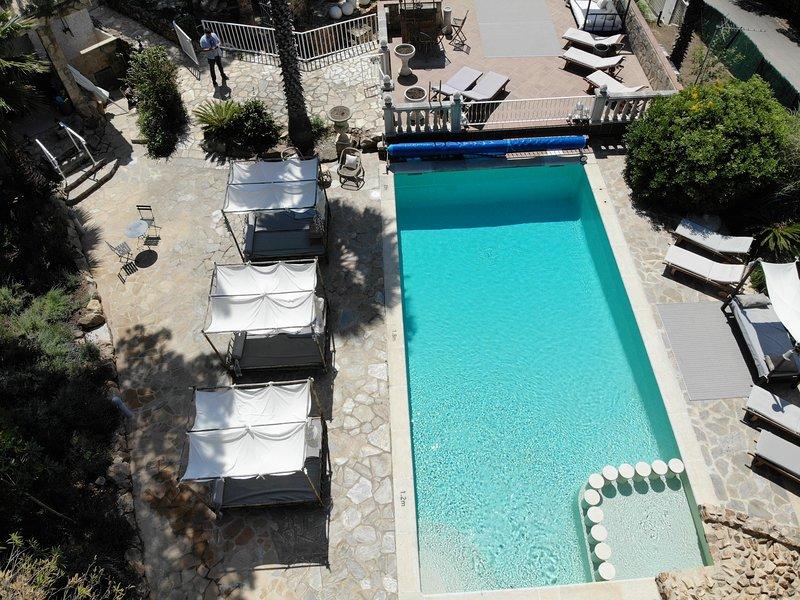 Casablanca Costa Brava 8 Bedrooms Bouteque Exclusive Villa Huge Pool, holiday rental in Cassa de la Selva