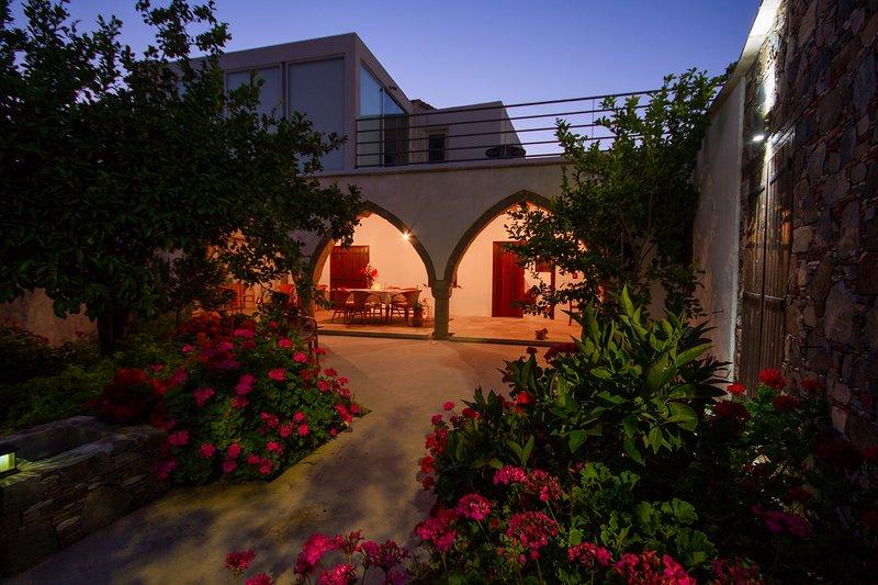 ESTIA GAIA COTTAGE, holiday rental in Lythrodontas