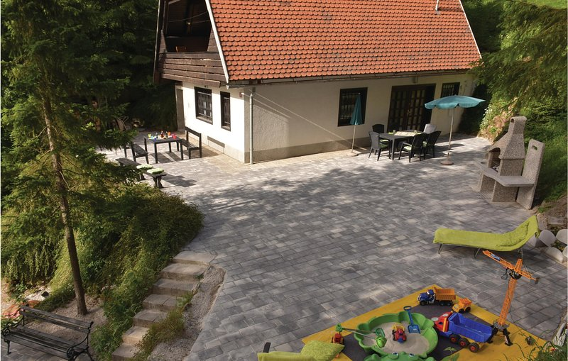 Beautiful home in Preserje with WiFi and 3 Bedrooms (SCE100), holiday rental in Velike Lasce