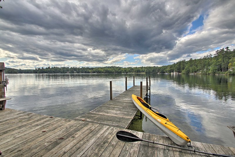 Lake Winnipesaukee Cottage w/ Kayaks & Dock!, holiday rental in Weirs Beach