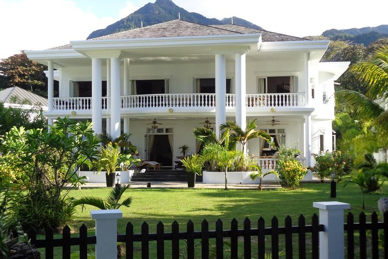 Criollo House - Ocean View Room 7, vacation rental in Beau Vallon