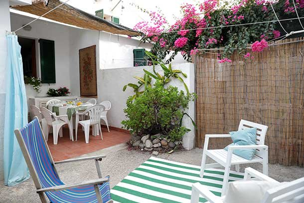 'la Bianca' IUN:P5424. Spiaggia e centro a piedi, casa vacanza a Calasetta
