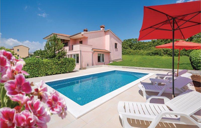 Beautiful home in Labin with WiFi and 2 Bedrooms (CIK920), casa vacanza a Ruzici