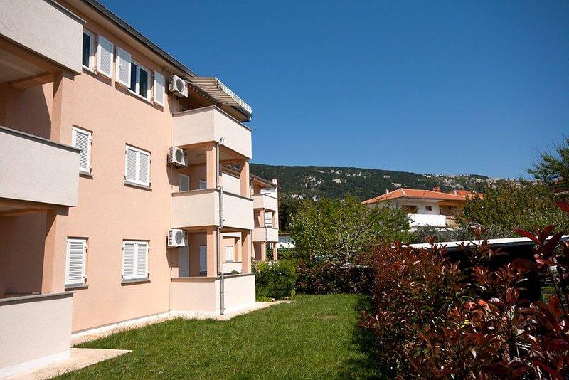 Apartment Splendido Baska Krk, holiday rental in Jurandvor