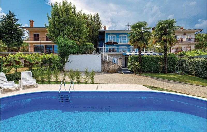 Nice home in Ika with Sauna, WiFi and 4 Bedrooms (CKO456), casa vacanza a Opric