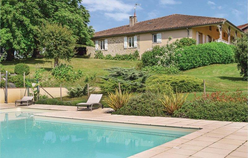 Les Marronniers (FAT704), vacation rental in Saint Pardoux-Isaac