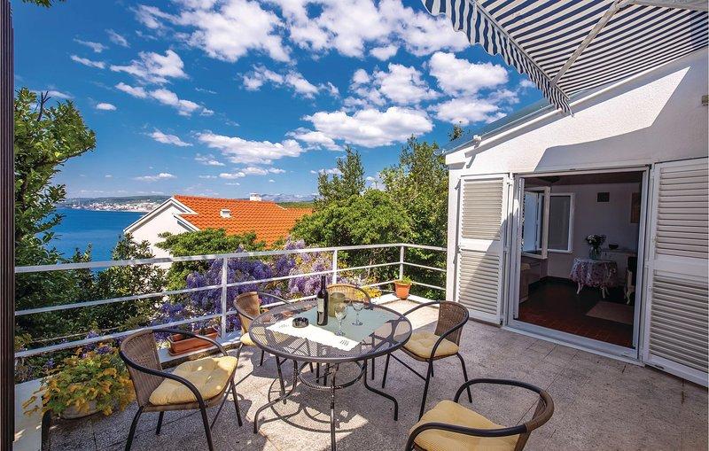 Awesome home in Kraljevica with 2 Bedrooms and WiFi (CKA124), aluguéis de temporada em Smrika