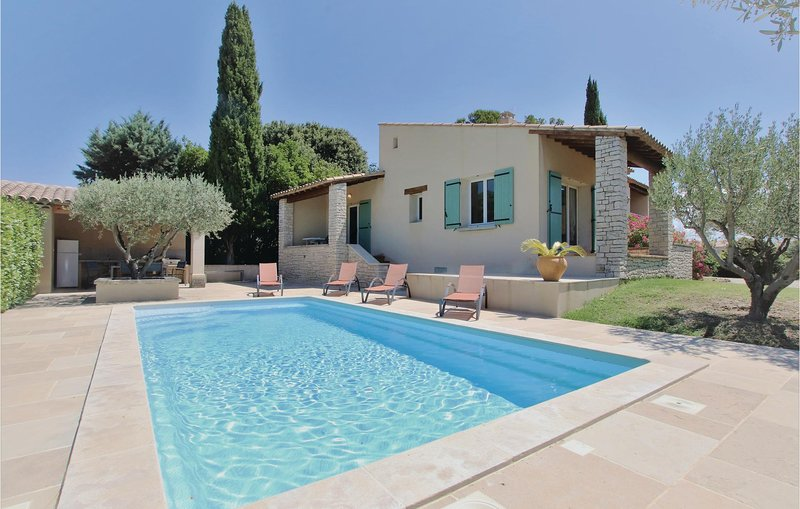 Amazing home in Tulette with WiFi and 3 Bedrooms (FPD105), casa vacanza a Sainte-Cecile-les-Vignes