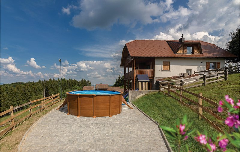 Awesome home in Store with Sauna, WiFi and 3 Bedrooms (SSR155), holiday rental in Sevnica