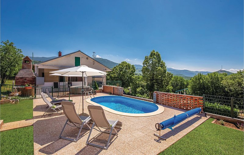 Amazing home in Ledenice with Jacuzzi, WiFi and 2 Bedrooms (CKN461), casa vacanza a Donji Zagon
