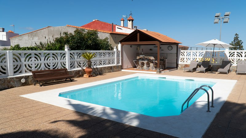 Fantastic Villa in Gran Canaria with private pool, holiday rental in Valsequillo