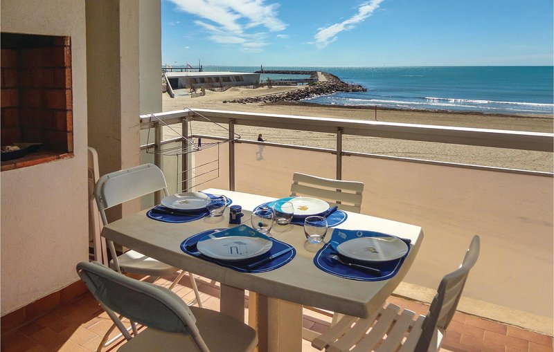 Beautiful home in Mauguio with 2 Bedrooms (FLH246), location de vacances à Carnon