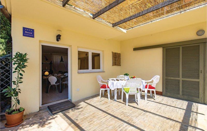 Nice apartment in Matulji with WiFi and 1 Bedrooms (CKO048), location de vacances à Matulji