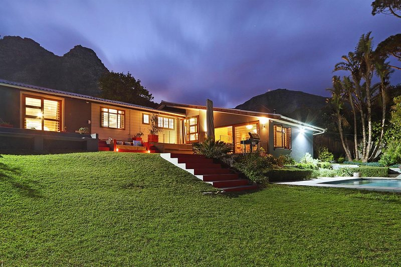 Luxury Eco Villa in the Majestic Hout Bay Valley, alquiler de vacaciones en Cape Town