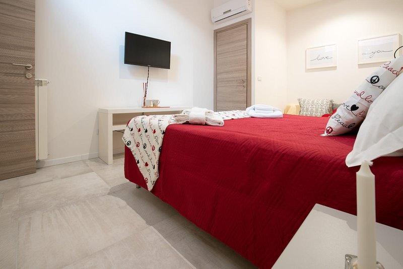 Station Loft by Holiplanet Triple Room, holiday rental in Corticella